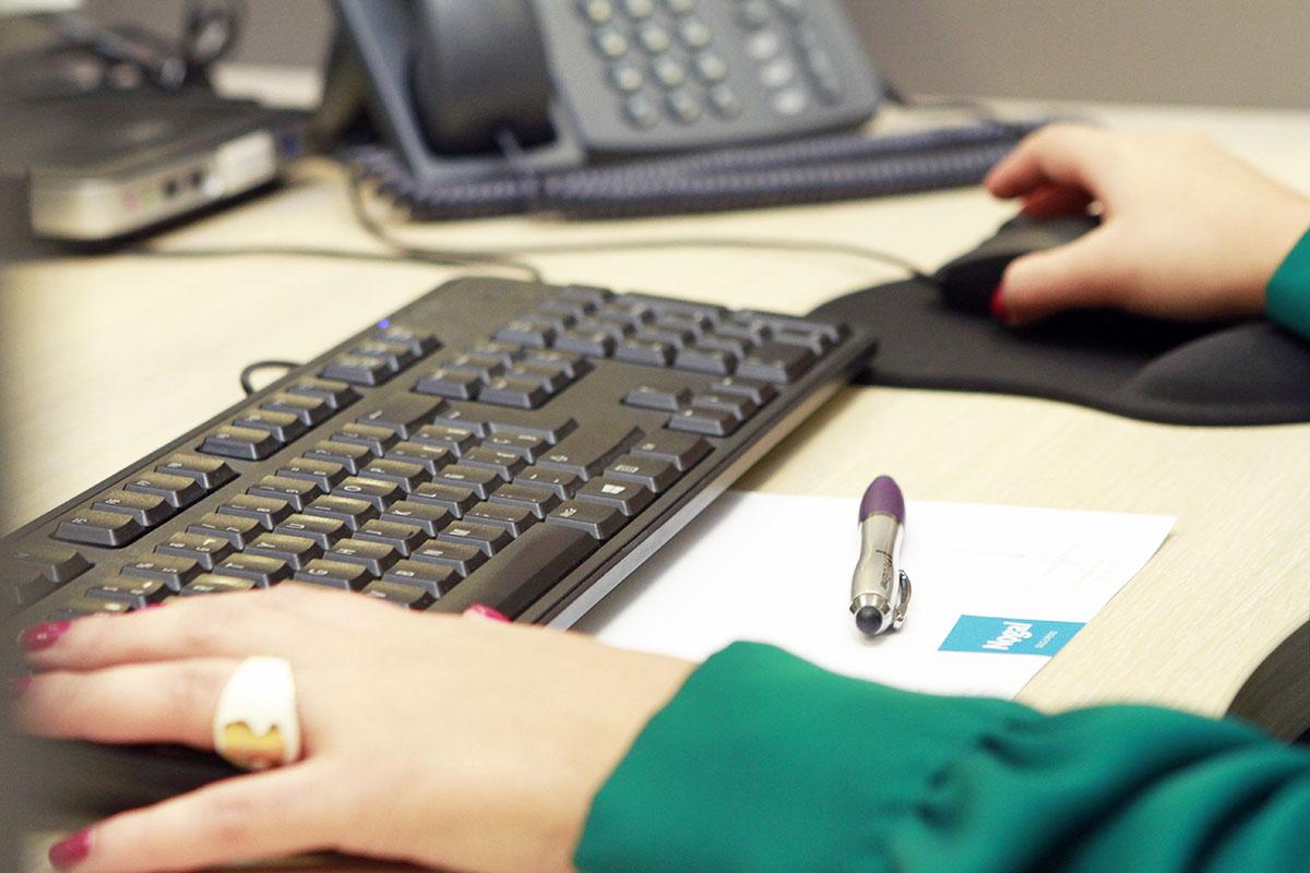 Oficina alcobendas seguros nogal for Oficina yoigo alcobendas